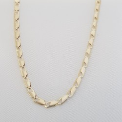 Necklaces and chains 4